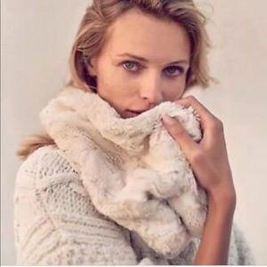Anthropologie sleeping on snow cowl scarf new 🌟🌟